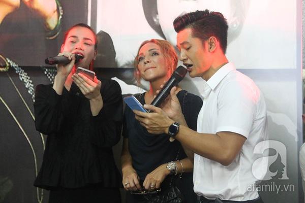 Tình thơ là ca khúc gắn liền với tên tuổi Minh Thuận trên các sân khấu ca nhạc.