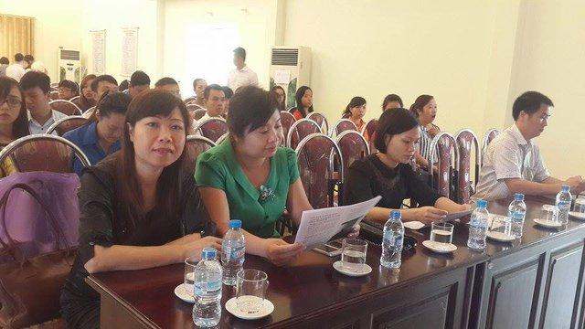 Lãnh đạo Trung tâm DS-KHHGĐ và đại diện các ngành liên quan cùng tham dự buổi truyền thông tư vấn.