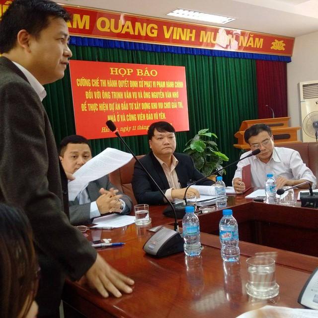 Họp báo về cưỡng chế,xử lý vi phạm hành chính trong công tác GPMB dự án đảo Vũ Yên chiều 11/12 tại quận Hải An
