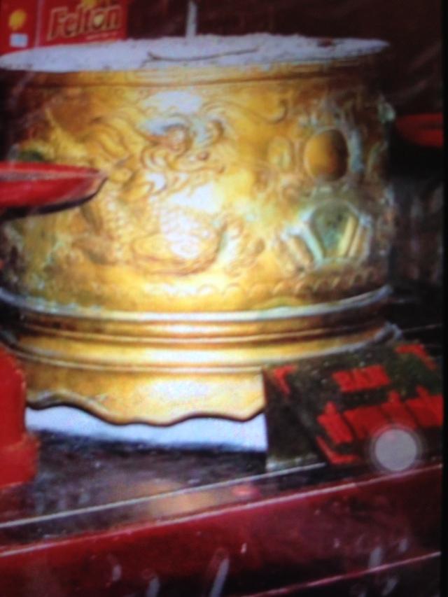 Lư hương cổ nhiều trăm năm tuổi của chùa Nền đã bị biến mất