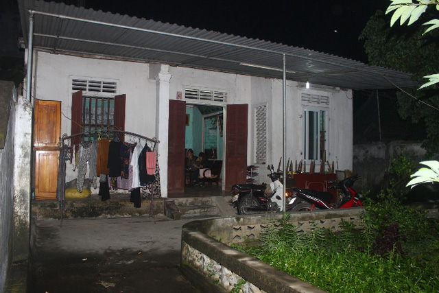 Căn nhà cấp 4 cũ kỹ, nhỏ bé của gia đình Giám đốc Trung tâm Bảo trợ xã hội.