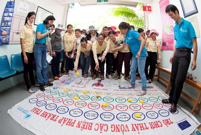 Tại Ngày hội sức khỏe trong các đợt khám lưu động tại nhà máy, GDVĐĐ tổ chức các hoạt động truyền thông, đố vui về SKSS, Luật Lao động… và được đông đảo công nhân quan tâm và hưởng ứng.
