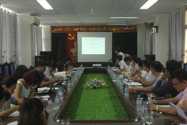 Toàn cảnh buổi làm việc của đoàn phóng viên với Trung tâm Phòng, chống HIV/AIDS Hải Dương. Ảnh: Đình Việt.