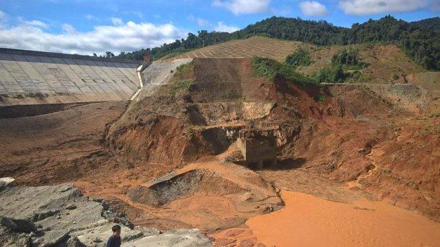 Mới tích nước được mấy ngày, thủy điện Sông Bung 2 gặp sự cố vỡ hầm dẫn dòng thủy điện. Ảnh: Đ.H