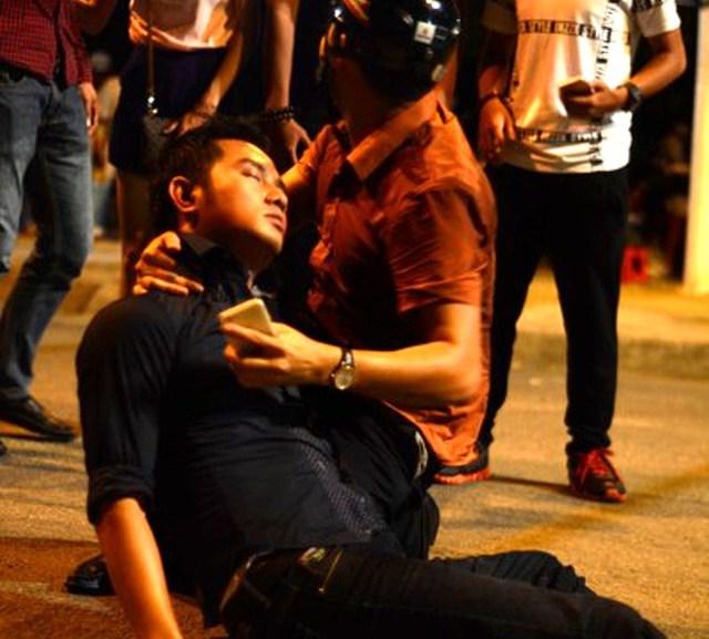 Thiên Bảo thủ vai nhà báo Sơn luôn bị bầm dập vì tác nghiệp.