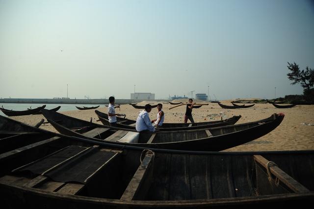 Các nhà hàng nổi tại cảng Vũng Áng những ngày này hầu như không có khách. Ảnh: Đ.Việt