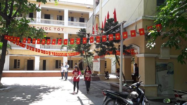 Trường THPT Trần Nhân Tông liệu có rút quyết định cảnh cáo cô giáo Mỹ Hà? Ảnh chụp một góc trường Trần Nhân Tông