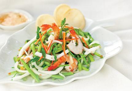 Gỏi hải sản rau nhút 1