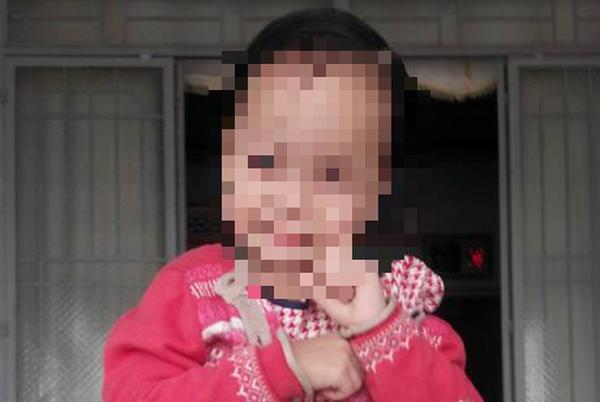 Người mẹ hốt hoảng khi con gái 8 tuổi nghi bị bắt cóc trên đường đi học về, may mắn tìm lại con cách nhà 30km