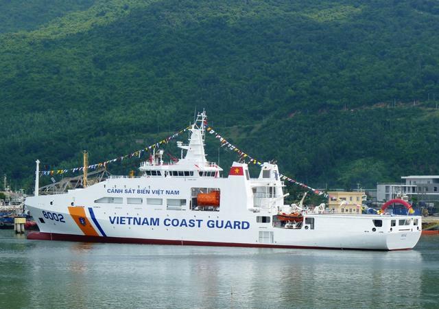 Tàu CSB 8002 được đánh giá là một trong những con tàu Cảnh sát biển hiện đại bậc nhất Việt Nam vừa mới được Tổng công ty Sông Thu - Bộ Quốc phòng (đóng tại Đà Nẵng) hạ thủy thành công. Tàu do Tổng công ty Sông Thu phối hợp với Tập đoàn Damen (Hà Lan) đóng.