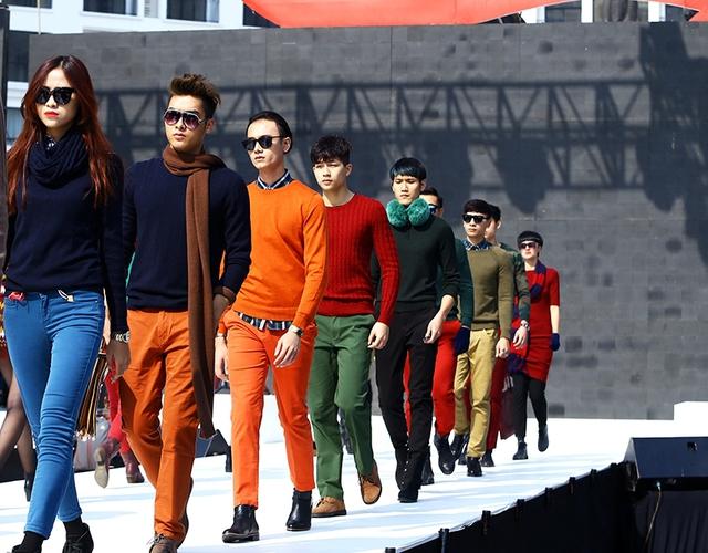 Những màu sắc vô cùng ấn tượng và trẻ trung trong mùa đông Hà Nội