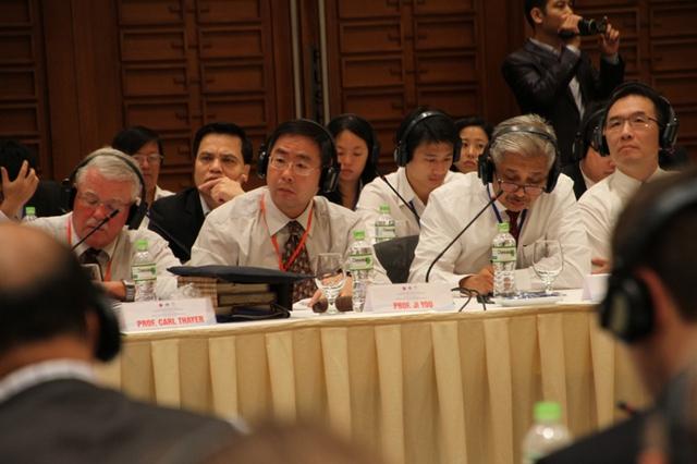 """Các đại biểu quốc tế tham dự Hội thảo quốc tế về Biển Đông lần thứ 6 với chủ đề """"Biển Đông: Hợp tác vì An ninh và Phát triển ở Khu vực"""". Ảnh Đức Hoàng"""