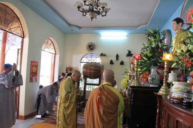 Lễ Cầu an cho ông Nguyễn Bá Thanh tại Tịnh thất Bửu Sơn. Ảnh Đức Hoàng