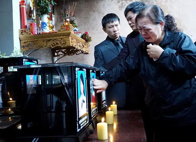 Bà Phong: Có nỗi đau nào lớn bằng nỗi đau mất người thân, ấy vậy mà cùng một lúc tôi còn mất đến 3 người thân mà tôi vô cùng yêu quý