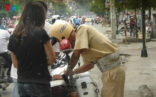 cảnh sát giao thông, dừng xe,. 5 trường hợp