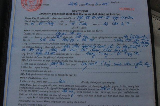 Biên bản xử phạt trường hợp học sinh điều khiển xe đạp điện không đội mũ bảo hiểm. Mức phạt là 75.000 đồng (giảm 50% so với mức phạt thông thường).