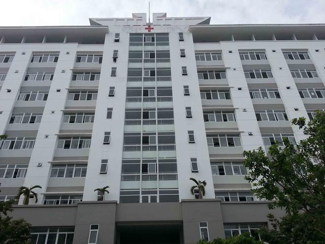Tòa nhà 11 tầng - nơi có thang máy xảy ra sự cố. Ảnh Đức Hoàng