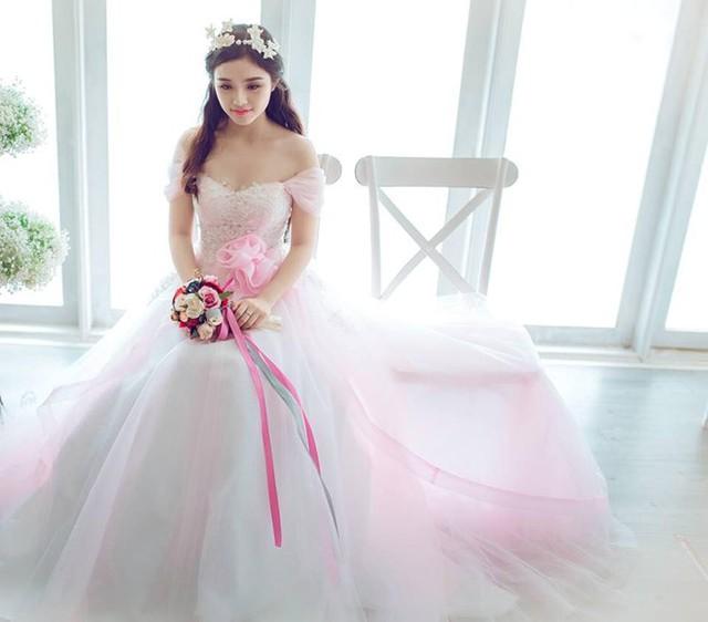 Tháng 3/2015, Nhật Hạ trở lại màn ảnh nhỏ với bộ phim Mặt nạ thiên thần. Vai diễn này đánh dấu sự trưởng thành nhất định của cô về mặt diễn xuất.