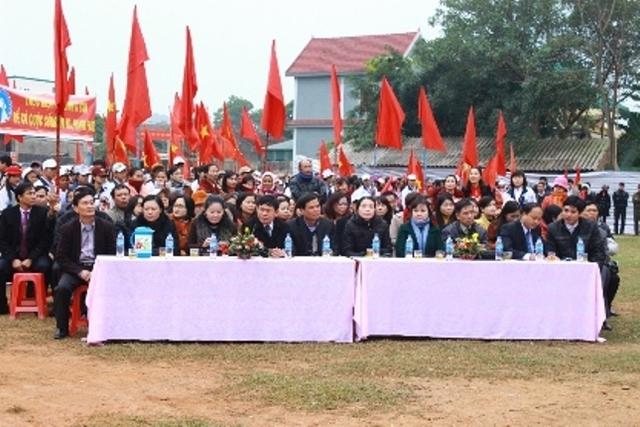 Các đại biểu về tham dự lễ phát động