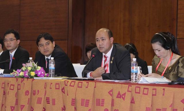 Đại biểu trẻ các nước tham dự phát biểu tại Diễn đàn Nghị sĩ trẻ  IPU - 132. Ảnh:TTXVN