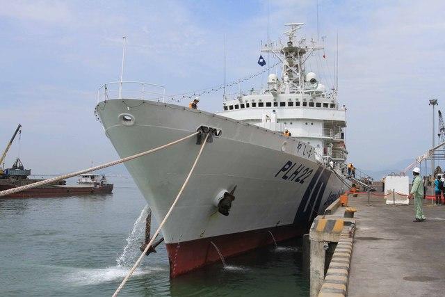 Tàu tuần tra của lực lượng bảo vệ bờ biển Nhật Bản Yashima cập cảng Tiên Sa (Đà Nẵng) sáng 10/5. Ảnh Đức Hoàng