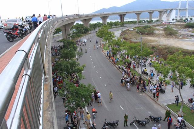 Vụ tai nạn kinh hoàng xảy ra trên cầu Thuận Phước. Ảnh Đức Hoàng