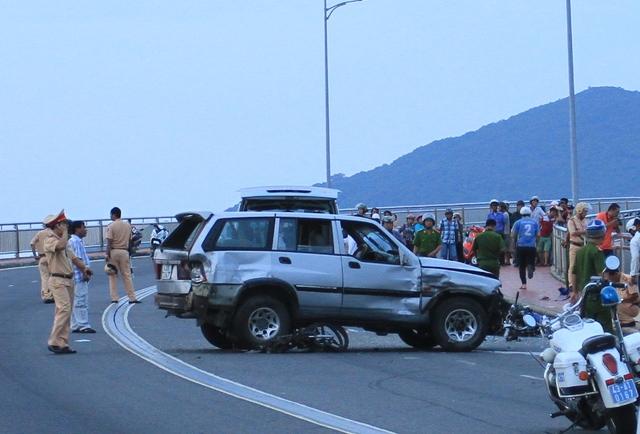 Hiện trường vụ tai nạn trên cầu...Ảnh Đức Hoàng