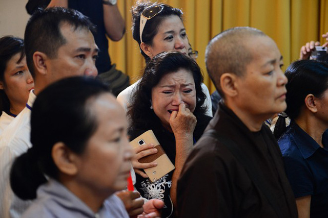 Nhiều người rơi nước mắt trong lễ tang Giáo sư Trần Văn Khê