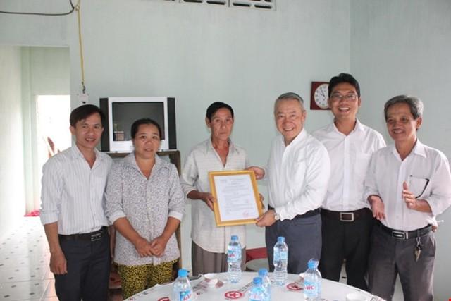 Một trong 25 hộ gia đình nghèo đã được nhận nhà tình thương từ Công ty Vedan.