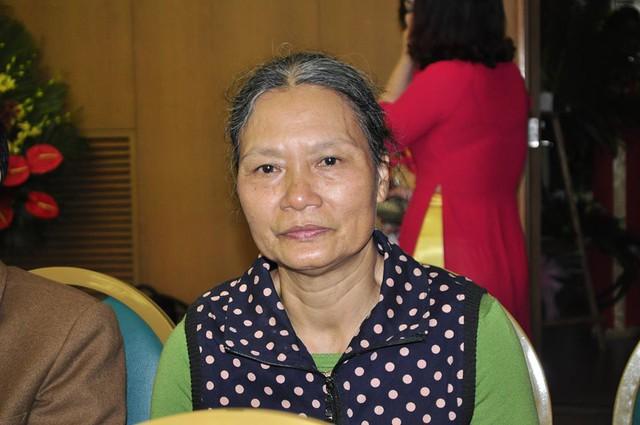 Bà Lã Thị Lý đã hiến thận cho chính con trai duy nhất khi con bị suy thận. Ảnh: Thế Đoàn