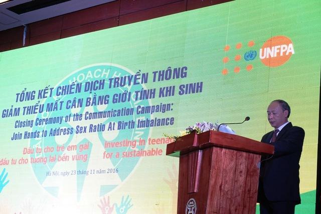 Ông Nguyễn Văn Tân, Phó Tổng cục trưởng phụ trách Tổng cục DS-KHHGĐ phát biểu khai mạc buổi lễ