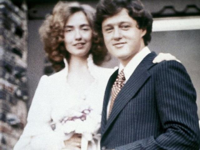 Đám cưới giản dị của hai vợ chồng nhà Clinton.
