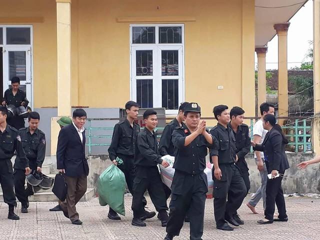 19 cán bộ, chiến sĩ được thả sau cuộc đối thoại của Chủ tịch Nguyễn Đức Chung.