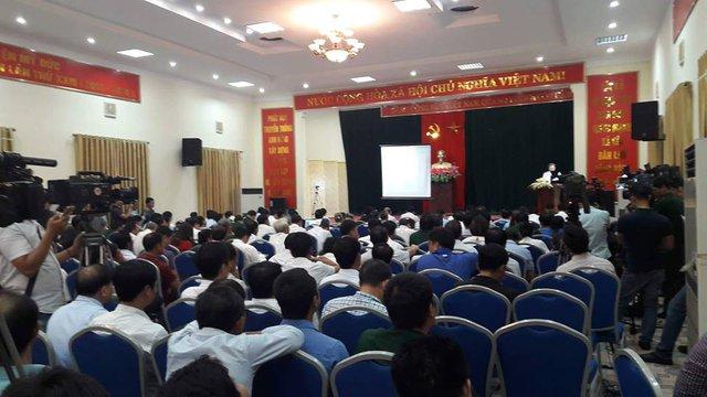 Từ sáng sớm rất đông người đã có mặt tại hội trường UBND huyện Mỹ Đức tham dự buổi công bố dự thảo kết quả thanh tra.