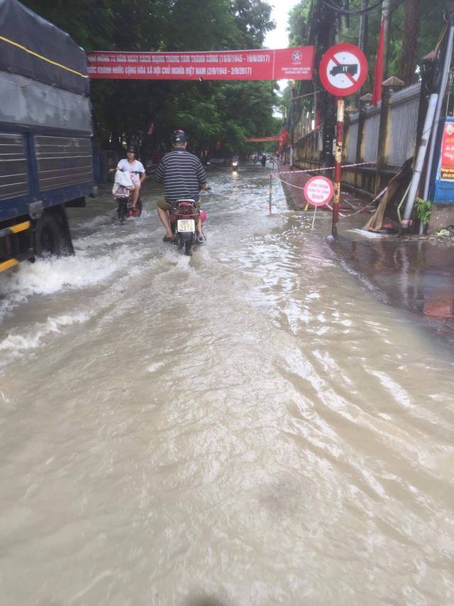 Tuyến đường Nguyễn Bình trước đây rất ít khi xảy ra tình trạng ngập lụt.
