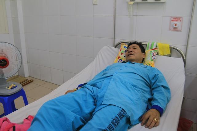 Ông Phạm Anh Dũng, Chủ tịch UBND phường 7, TP Vũng Tàu kể lại vụ việc. Ảnh: Tâm Trí