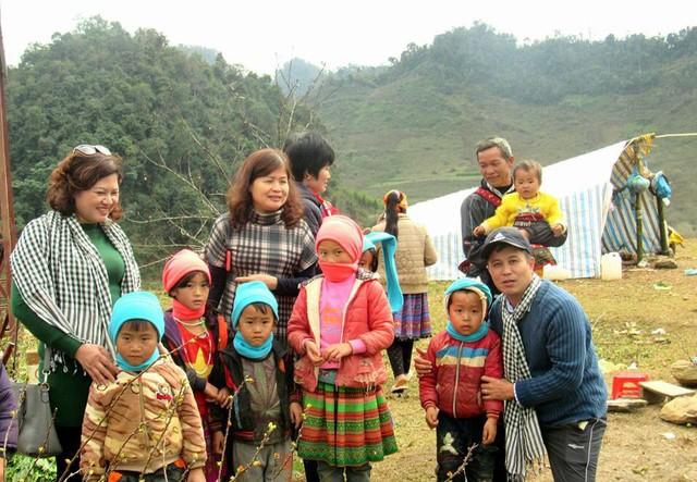 Chuyến tình nguyện đáng nhớ tại Yên Bái của nhóm Điều giản dị