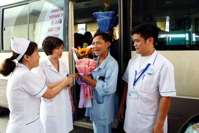 Số bệnh nhân còn lại trong sự cố y khoa nghiêm trọng tại Bệnh viện Đa khoa tỉnh Hoà Bình được hỗ trợ tối đa trong chuyên môn, điều trị