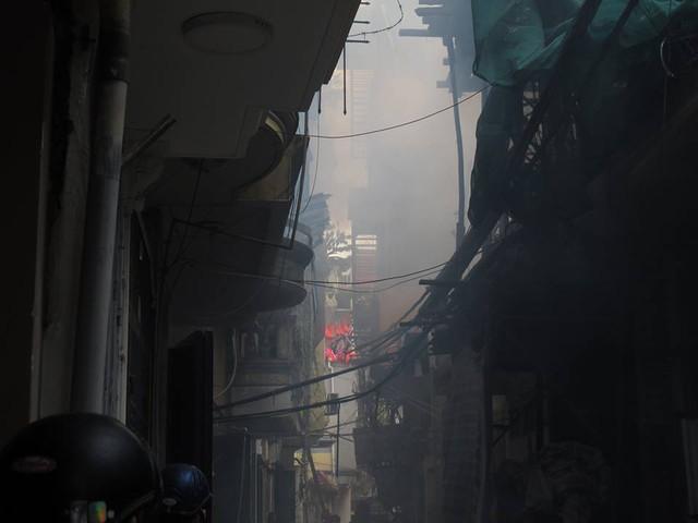 Hiện trường nơi xảy ra vụ hỏa hoạn tại ngõ Quỳnh, phường Cầu Dền. Ảnh: H.Chi