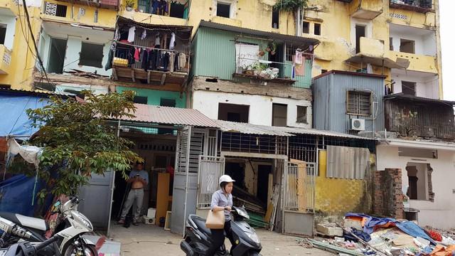 Người dân tại khu TT Đổng Quốc Bình, Hải Phòng đã không được giải quyết quyền lợi mua nhà theo Nghị định 61/CP. (ảnh: HC)