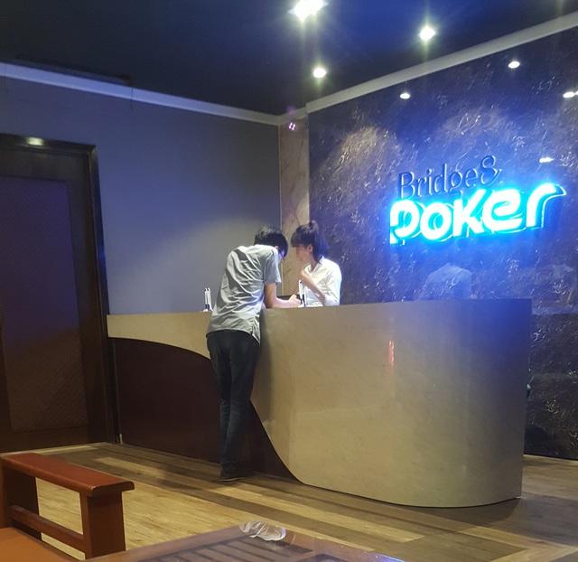 Để vào bên trong Thái Nguyên Poker Club, người chơi phải đăng ký thành viên.