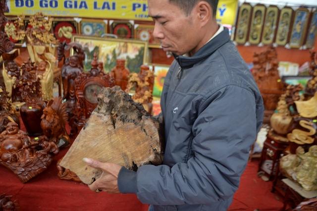 Dòng sản phẩm này được làm bằng loại gỗ gụ hương