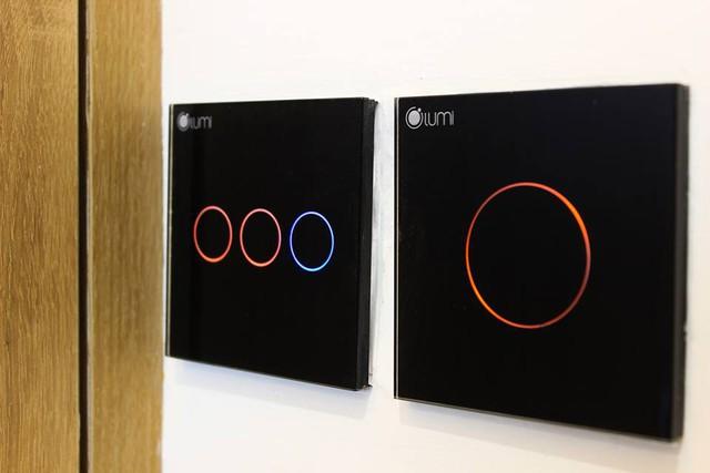 Hình ảnh thiết bị thông minh Lumi lắp đặt trong nhà