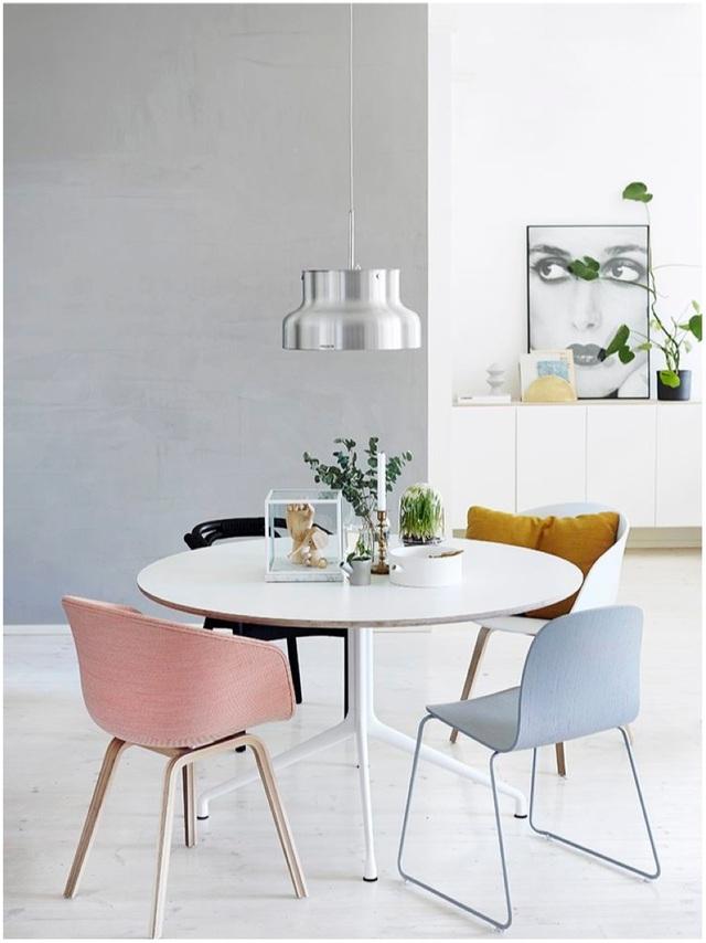 Những bộ bàn ăn với gam màu pastel chinh phục mọi người bằng vẻ đẹp dịu dàng, nhẹ nhàng của chúng.