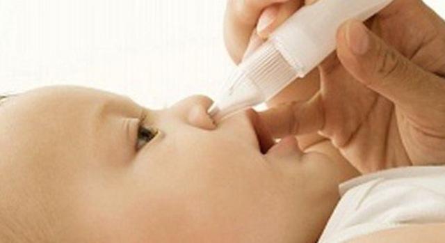 Vệ sinh mũi cho trẻ thế nào mới đúng?