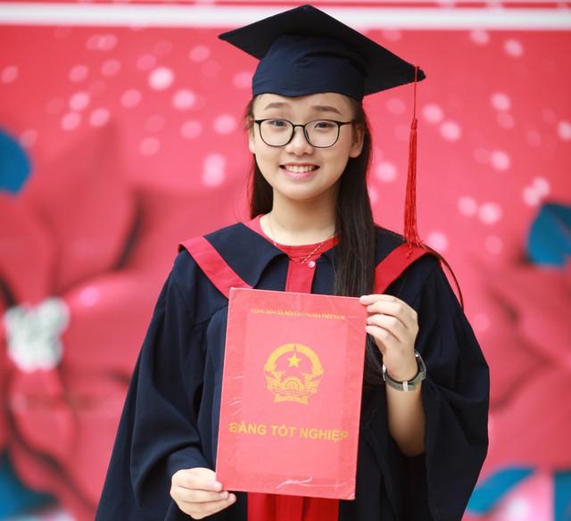 Vũ Nam Trang Linh đỗ vào 3 trường chuyên ở Hà Nội. Ảnh: NVCC.