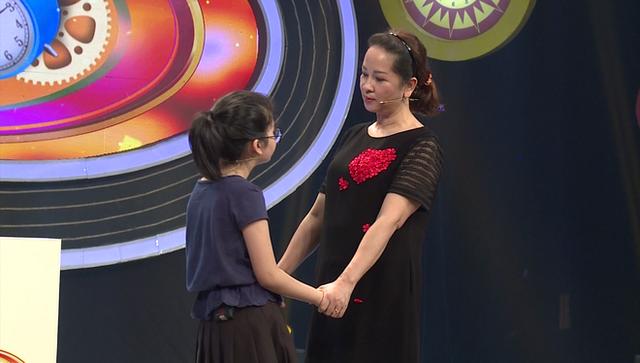 Mẹ ruột diễn viên Thùy Dương mong rằng cháu gái Coca sẽ không đi theo nghiệp diễn của mẹ bé.