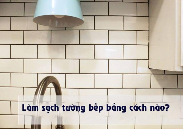 Những bức tường bao bếp nấu ăn bằng gạch men lát sứ kiểu này đã quá quen mắt với mọi người rồi.