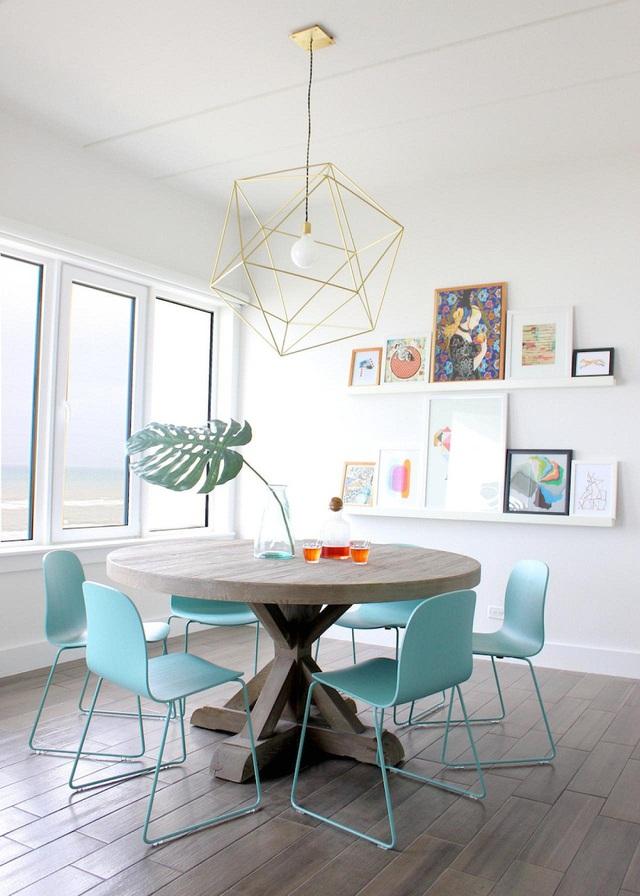 Bạn cũng có thể lựa chọn một bộ bàn ăn đồng bộ như cách này.