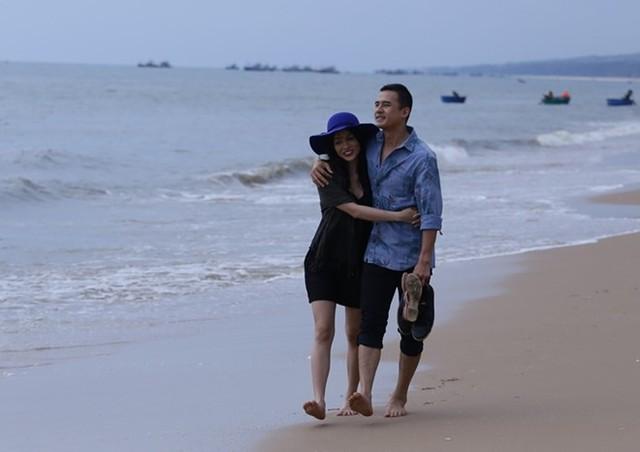 Lương Thế Thành có hình ảnh lãng mạn với Trương Nhi. Ảnh: ĐPCC.